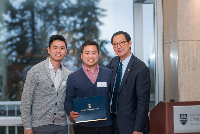 Jason Min and Larry Leung with Professor Santa Ono, representing the Fraser Street Medical Chronic Disease Management Team, who received an Honourable Mention for the McCreary Prize. Missing: Andrea Paterson, Khushminder Rai, Gurvinder Gill, Julia Cheong.
